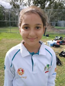 child ready for cricket